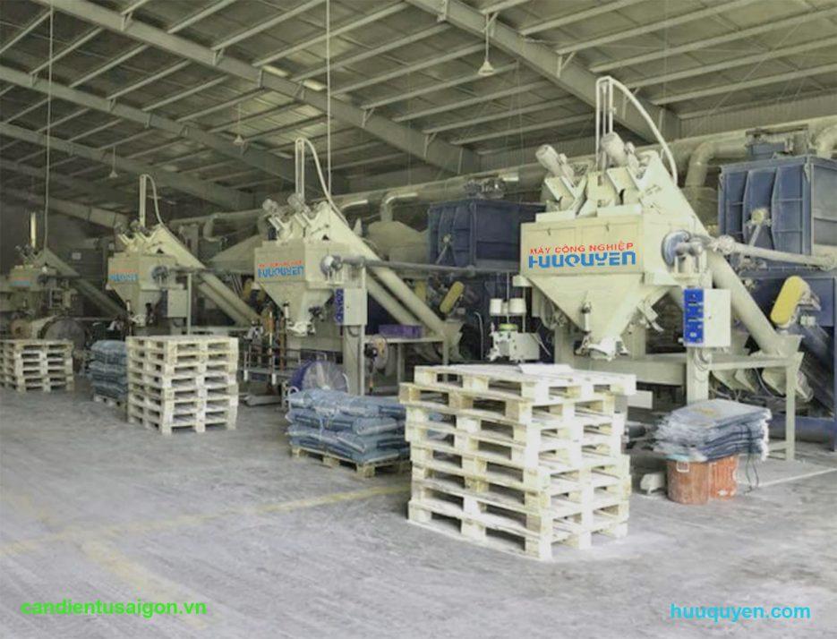 Quy mô hệ cân đóng bao bột khoáng sản trong nhà máy